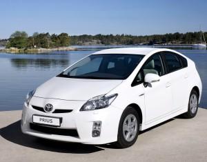 Руководства по эксплуатации и ремонту Toyota Prius